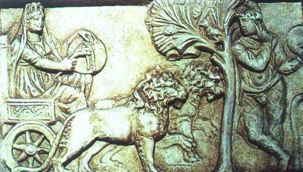 Cibeles y Atis (tocado con el característico gorro frigio), detalle de un altar romano procedente de Asia Menor (F. s. III d.C.)