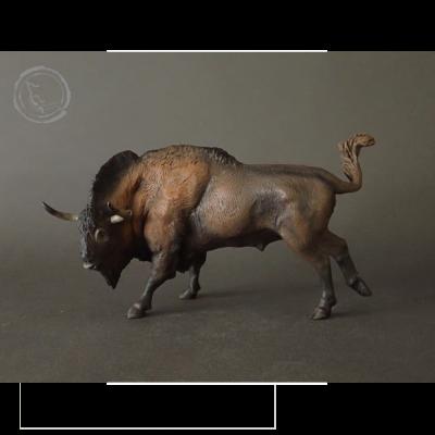 Bisonte estepario (Bison priscus) miniatura pintada a mano