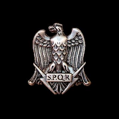 Águila romana de plata con pátina