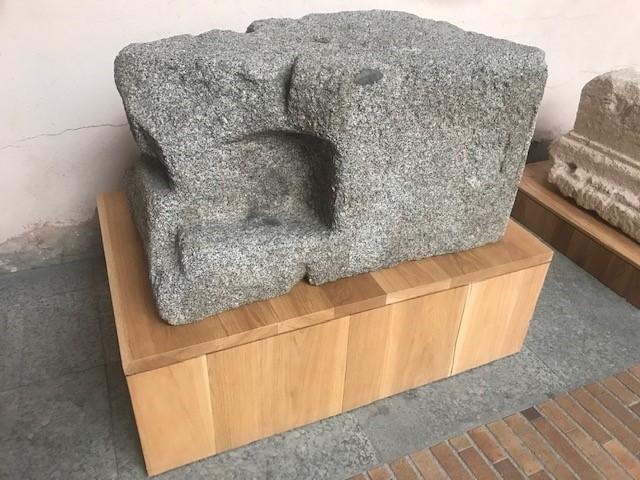 ESTELA FUNERARIA Los Palacios (Villanueva del Pardillo) 2ª mitad del siglo I