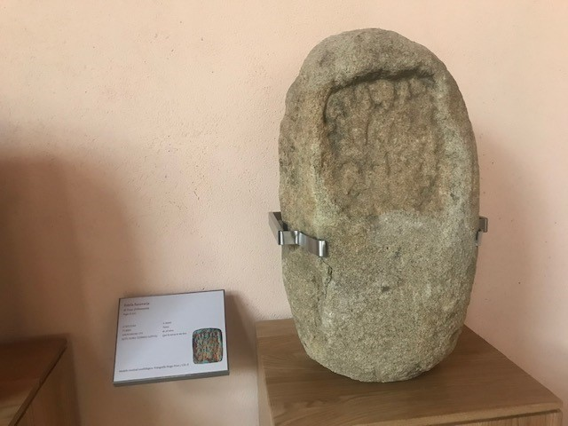 Estela funeraria romana siglo II d.C: