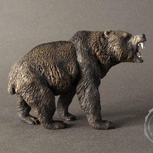 Oso cavernario (Ursus spelaeus) nuevo modelo. reproducción artesanal pintada a mano del gigantesco oso prehistórico